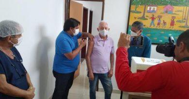 Dr. Duailibe e Dr. Ronaldo são os primeiros bernardenses a serem vacinados contra o coronavírus
