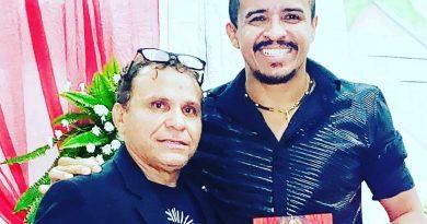 Apresentador de TV William Santos recebe homenagens e estréia programa de rádio