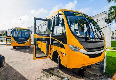Município de Santa Quitéria recebe ônibus escolar do Governo do Maranhão